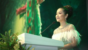 https://www.cdx.com.kh/zh/videos/detail/cdx-welcomes-hundreds-of-special-guests-during-its-yearly-gala-dinner/